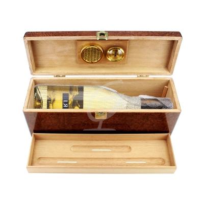 LR 2011 inkl. Wein-Geschenkbox- Humidor
